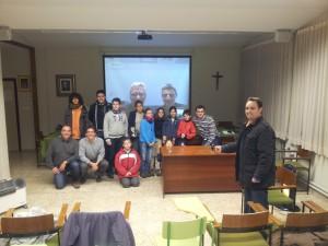 Una foto con los asistentes, en Cristo Rey... ¡y en la UME!